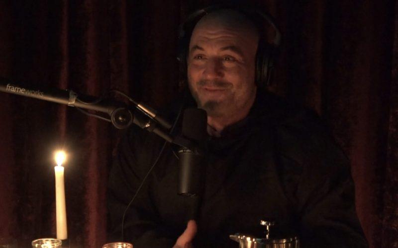 Joe Rogan kertoi podcastissaan videopeliaddiktiostaan, miten hän ei pysty lopettamaan pelaamista vain yhden tunnin jälkeen.